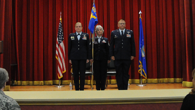 452nd Aeromedical Evacuation Squadron receives new commander